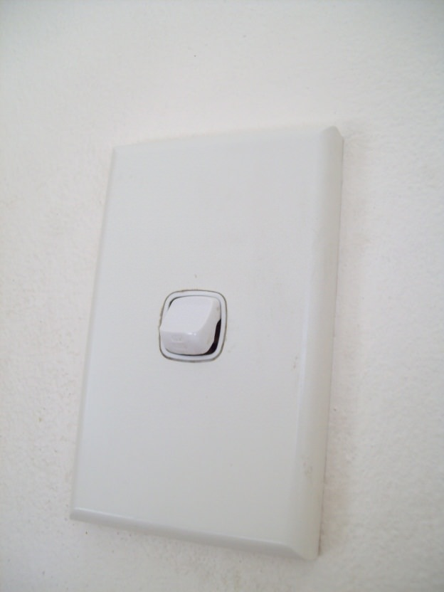 Light Switches fix Sydney electrician